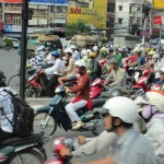 A lesson in crossing the road Hanoi style